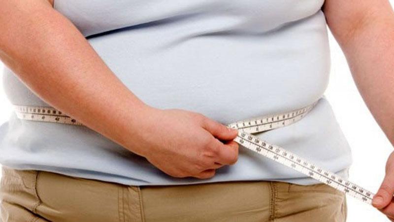 Vacuna contra Covid tiene menos efecto en personas con obesidad