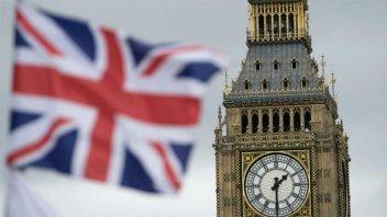 El ritmo de muertes por coronavirus en Reino Unido supera al de Italia
