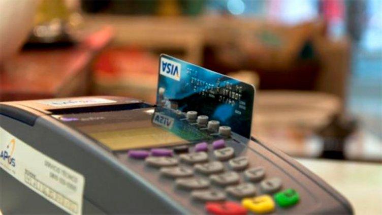 Tarjetas: la tasa de financiación para las 12 cuotas fijas subió al 132%