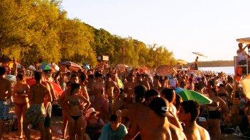 Villa Urquiza se prepara para su tradicional Fiesta de la Playa
