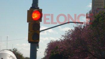 Readecuarán el sistema de semáforos en la zona céntrica de la ciudad
