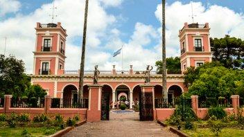 Buscarán revertir el deterioro edilicio del Palacio San José