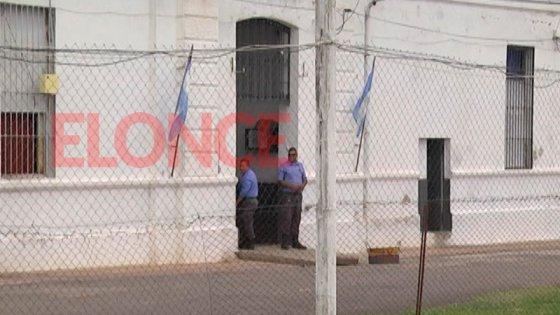Interno de la cárcel de Paraná se tragó una bombilla y fue hospitalizado