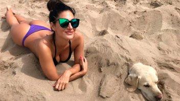 Morocha levantó la temperatura luciendo su lomazo en la playa