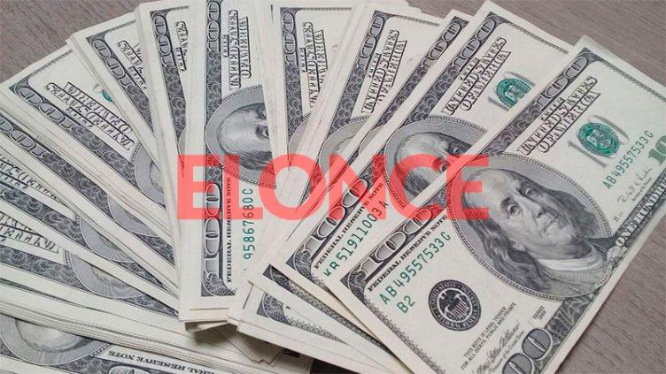 El dólar blue cerró a $156: en la semana acumuló una caída de tres pesos