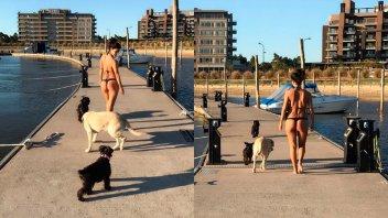 Morocha paseó a sus mascotas luciendo una diminuta bikini