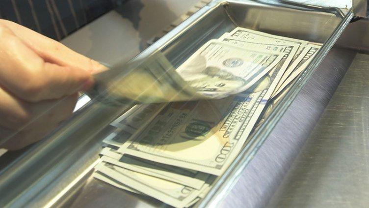 El gobierno implementa nuevas medidas  para contener el precio del dólar