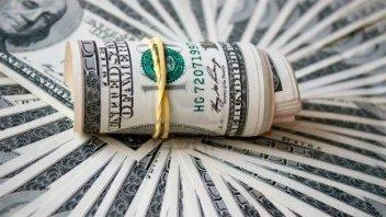 El dólar blue subió 75 centavos a $78,25