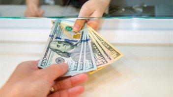 El dólar blue alcanza un nuevo récord: Supera los 160 pesos