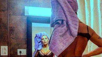 Sol Pérez con lencería trasparente y su parte más ponderada en primer plano