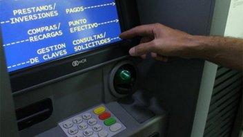 Los bancos no cobrarán cargos ni comisiones por usar cajeros automáticos
