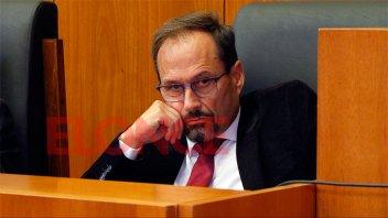 El Procurador García aportará la mitad de su sueldo al Fondo para insumos