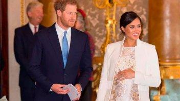 Príncipe Harry y su esposa renunciaron por completo a la familia real británica