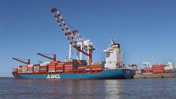 Coronavirus: exportaciones globales cayeron por escasez de piezas chinas