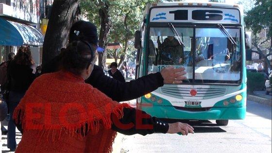 Cambiarán de recorrido los colectivos que circulan por calle Gualeguaychú