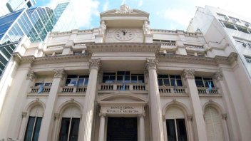 Banco Central advirtió a agencias de turismo por maniobras para saltar el cepo