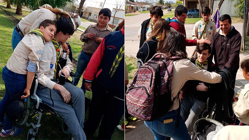 Ismael recibido con cariño por el grupo scout.