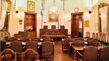 Concejales proponen severas multas para quienes organicen fiestas clandestinas