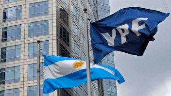 Las acciones de YPF cayeron casi 30% en Wall Street