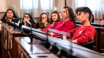 Se extiende la inscripción al programa del Senado Juvenil Entrerriano