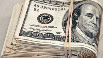 El dólar turista subió 3,6% en marzo y cerró a $86,37