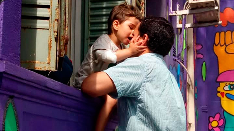 Fausto en el Hospital junto a su papá Lucio