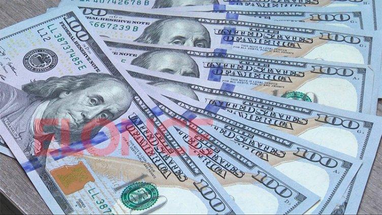 Aplican nuevas medidas para desalentar la fuga de dólares