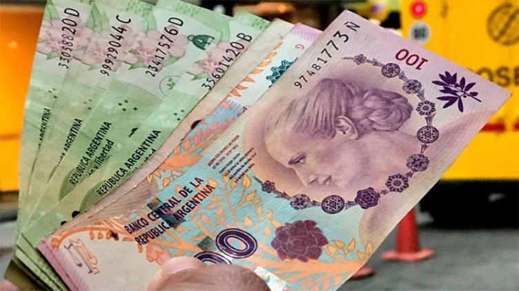 Los bancos deben ofrecer desde hoy una tasa mínima del 30% en plazos fijos