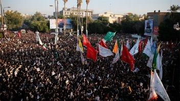 Multitudinarias procesiones en Irán: Despiden a Soleimani como un héroe nacional