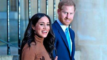 Harry y Meghan Markle dejan de ser duques y no recibirán más fondos públicos