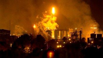 Fuerte explosión en una planta química en España: Hay muertos y heridos