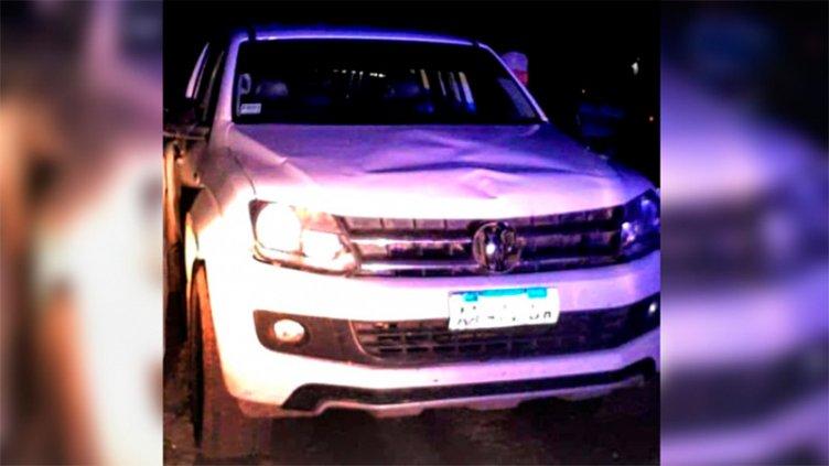 Conductor alcoholizado chocó y mató con su camioneta a un abuelo y a su nietito