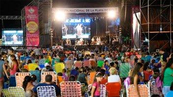 Con bandas locales, comenzó la Fiesta Nacional de la Playa de Río