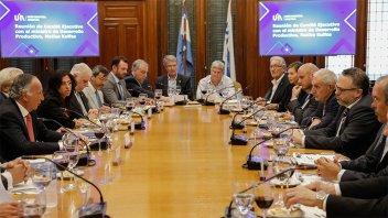 La UIA reclamó al gobierno medidas productivas y federales