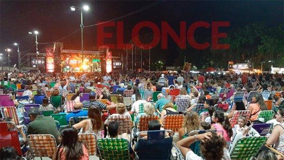Se vive la tercera noche de la Fiesta de la Playa de Concepción del Uruguay