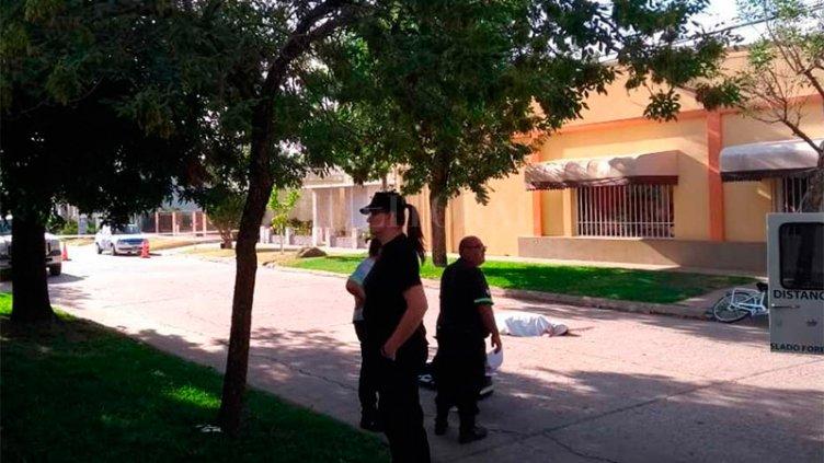 Femicidio en Santa Fe: La asesinó, pateó el cuerpo y se dirigió a la Comisaría