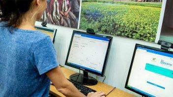 El sistema online de becas registró más de 10.000 solicitudes