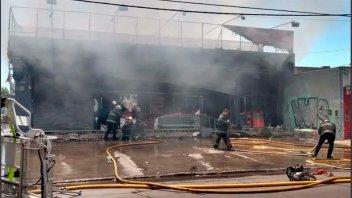 Dueña de supermercado chino murió al quedar atrapada en un incendio