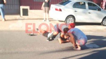Robó a mano armada y vecinos lo redujeron: el delincuente terminó en el hospital
