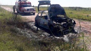 Un auto se incendió