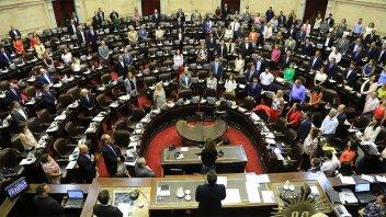 Buscan un acuerdo para bajar los sueldos de los diputados nacionales