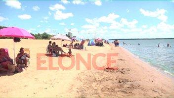 Elonce TV en Colón: La gente disfruta de las playas y el camping