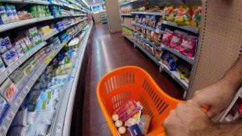 Economista prevé que la inflación llegará al 44% este año