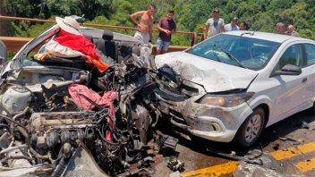 Tres muertos y varios heridos en un triple choque sobre un puente de ruta 12