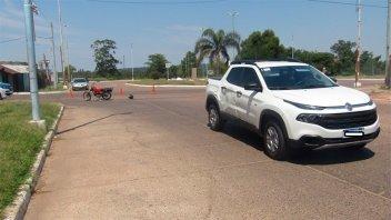 Choque entre una moto y una camioneta dejó un herido de gravedad