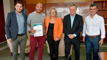 La Provincia  refuerza su apoyo a clubes del departamento Gualeguaychú