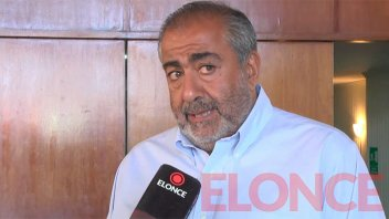 Héctor Daer dialogó con trabajadores y representantes de los gremios de Paraná