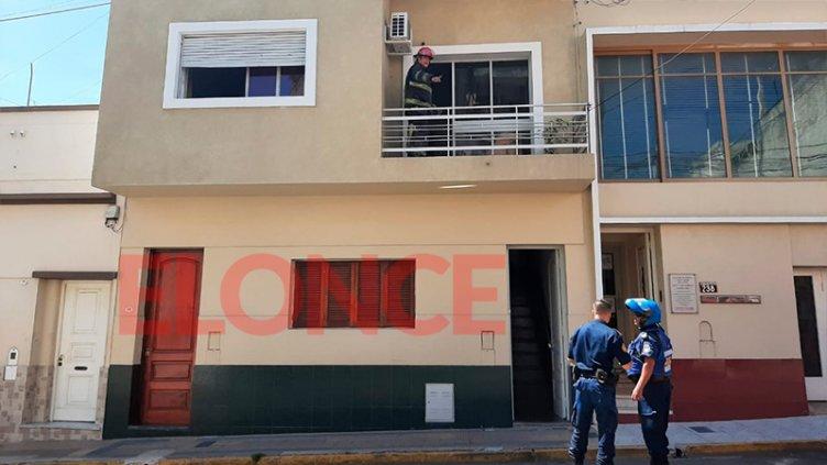 Un horno encendido generó un principio de incendio en una vivienda