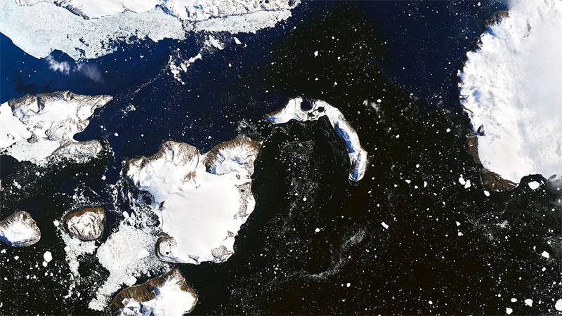Ola de calor derrite el 20% de nieve de la Antártida — FOTOS