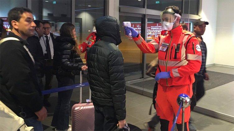 Coronavirus: En Ezeiza aplican protocolo especial a vuelos que llegan desde Roma